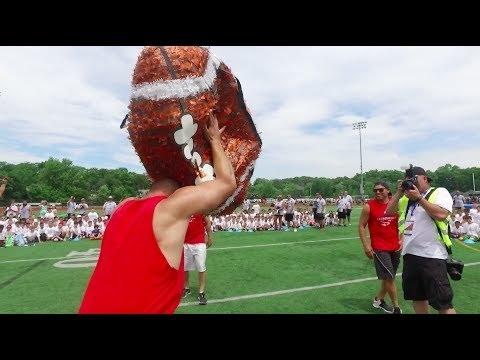 Patriots TE Rob Gronkowski spikes a 4-foot football-shaped pinata (Video)