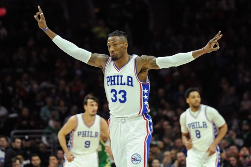 Sixers pick up 2017-18 option on Robert Covington's contract