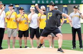 Watch Stanley Cup champion Sidney Crosby throw out first pitch at Pirates game