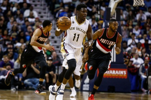 Dallas Mavericks join a growing field of potential Jrue Holiday suitors