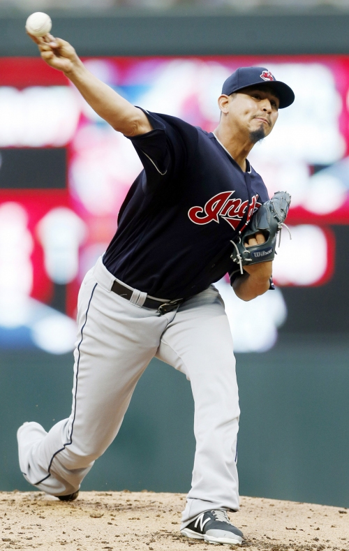 Cleveland Indians beat Minnesota Twins, 8-1, to move within one game of first place in AL Central