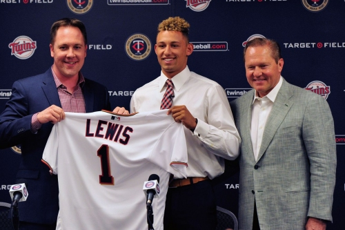 Twins sign number one draft pick Royce Lewis