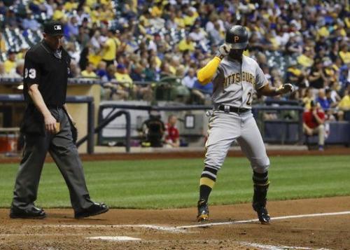 Andrew McCutchen's HR highlights Pirates offensive outburst