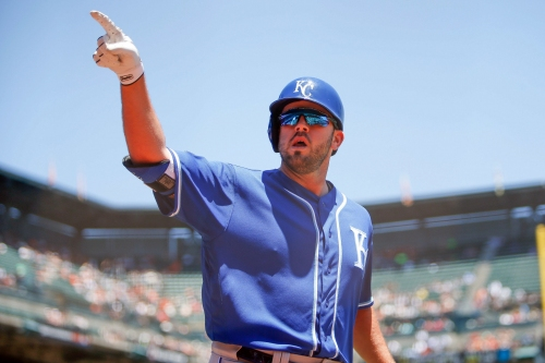 MLB trade rumors: Yankees, Red Sox fighting for star third baseman?