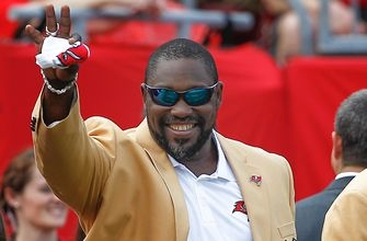 Hall of Famer Warren Sapp planning to donate brain for medical research