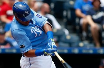 Royals beat Red Sox on Salvy's first career grand slam