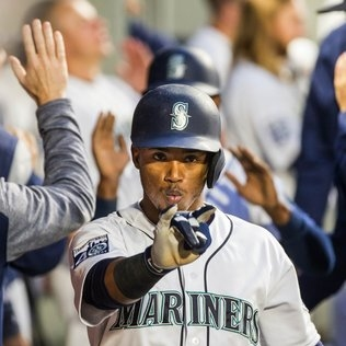 Jean Segura returns to the Mariners' lineup