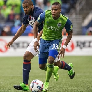 Sounders again juggle back line with Joevin Jones and Brad Evans out