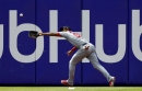 Errors costly for Cards as Phillies take finale