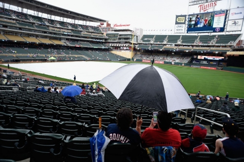 Rain delay ruined by game: White Sox 9, Twins 0