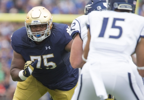 Notebook: Notre Dame DL Daniel Cage on road to recovery from knee surgery