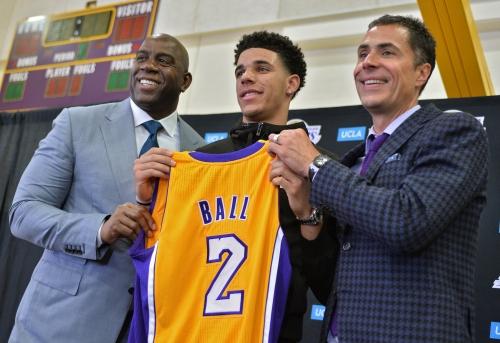 Lakers' Lonzo Ball reminds Magic Johnson of himself