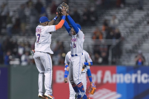 Giants give Mets a feel-good win, lose 11-4
