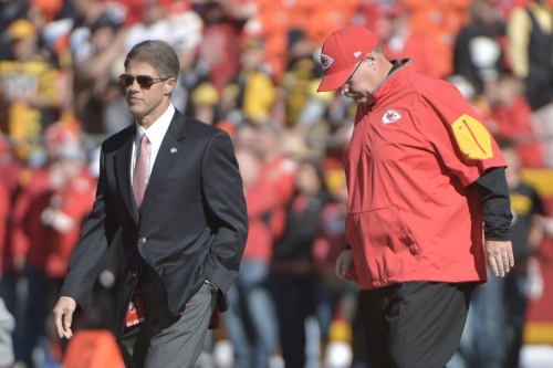 Arrowheadlines: Clark Hunt remains silent, Chiefs pop up on list of Patriots best losses