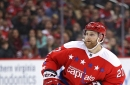 Karl Alzner signs with Habs