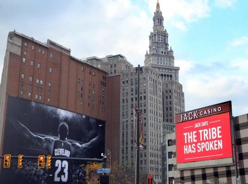 Cleveland Cavaliers, Cleveland Indians and Dan Gilbert: Bill Livingston (photos)