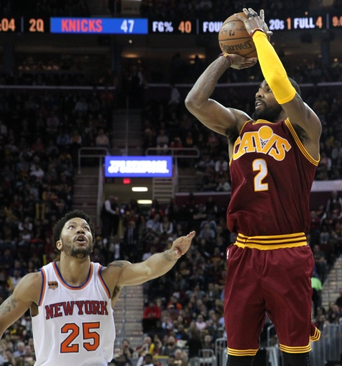 Cavaliers, Derrick Rose discussing contract