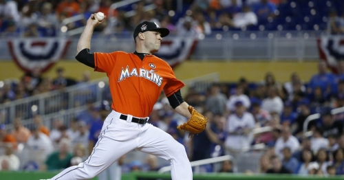 Mariners get bullpen boost with deal for Marlins reliever David Phelps