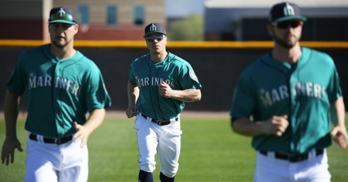 Trade analysis: Mariners deal a top prospect in Tyler O'Neill but leave their biggest hole unfilled