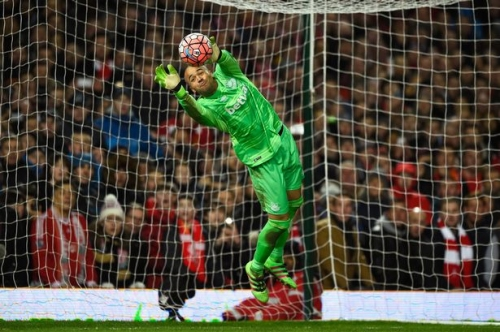 Darren Randolph: Battle for Middlesbrough gloves hots up with West Ham keeper set to sign