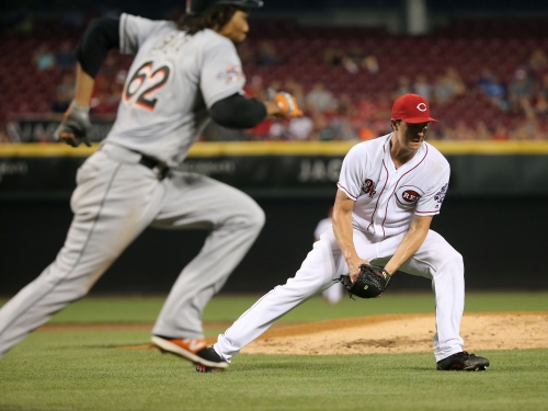 Reds fall 3-1 despite Homer Bailey's effort