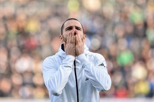 Pep Guardiola's strange Leonardo Bonucci comments hint at Man City transfer policy