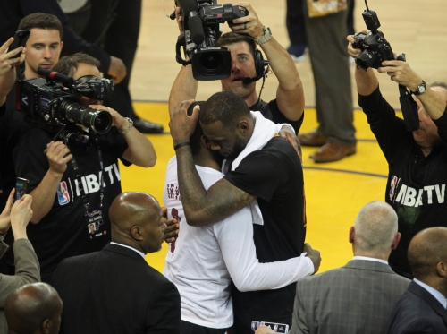 Kyrie Irving's trade request doesn't mean LeBron James will leave next summer