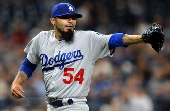 Rays receive reliever Sergio Romo from Dodgers for cash