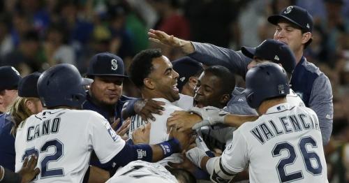 Mariners earn walkoff win over Yankees in 10 innings