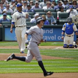 Yankees rally past Mariners in series finale