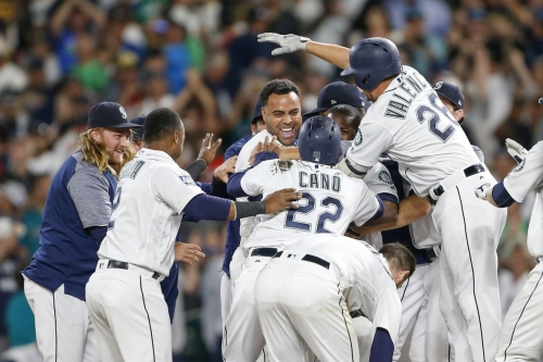 Mariners Fight their Way to Extra Inning Win
