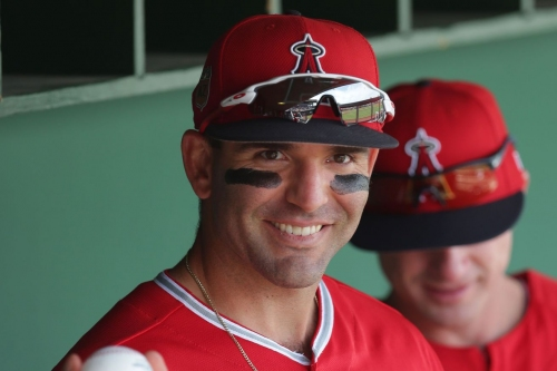 Mariners sign Danny Espinosa to stache on the bench, transfer Hisashi Iwakuma to the 60-day DL