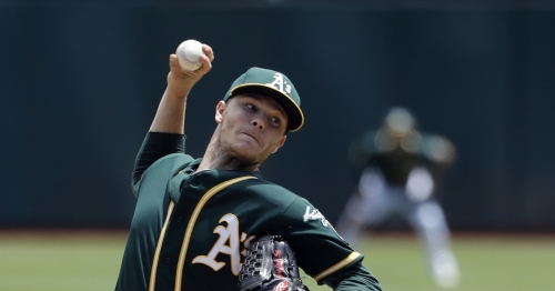 Mariners should trade with Oakland for starting pitcher Sonny Gray