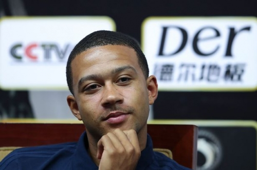 Memphis Depay reacts to talk of Manchester United return