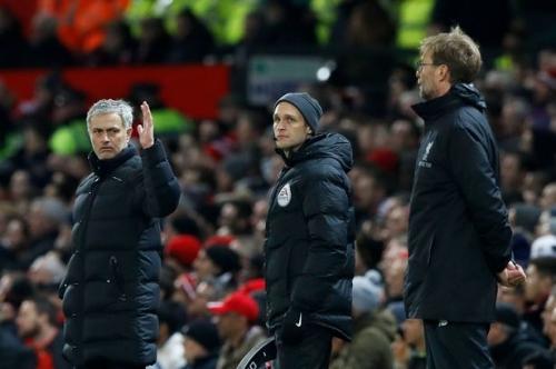 Jurgen Klopp hits back at Manchester United manager Jose Mourinho