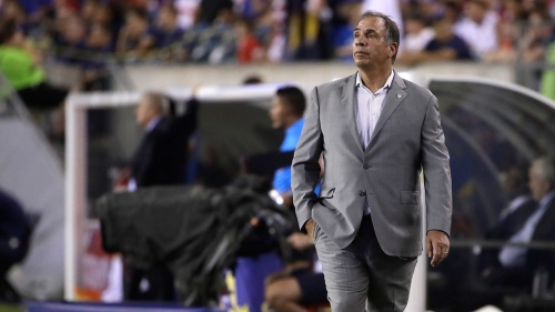Bruce Arena blends intense demands with humour to lead US