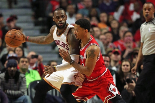 LeBron invites Derrick Rose to summer workouts in Vegas