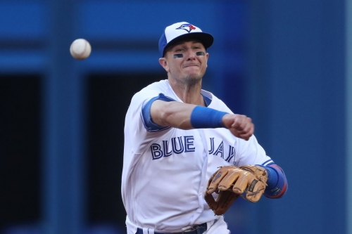 Troy Tulowitzki comes of of game with leg injury