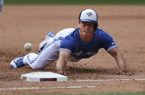 Refsnyder hits ground running in Blue Jays debut