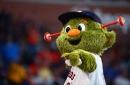 Chris Archer declares war on Astros mascot Orbit
