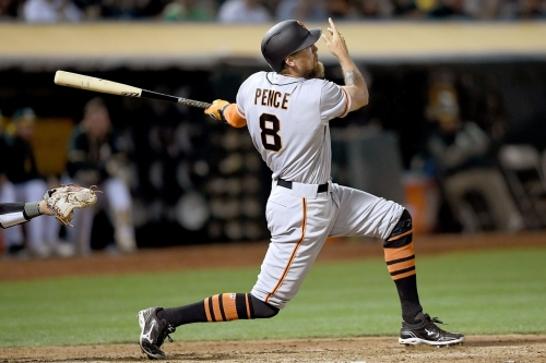 Giants win, on pace to score 290 runs in August