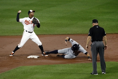 Orioles turn around-the-horn triple play in loss to Tigers