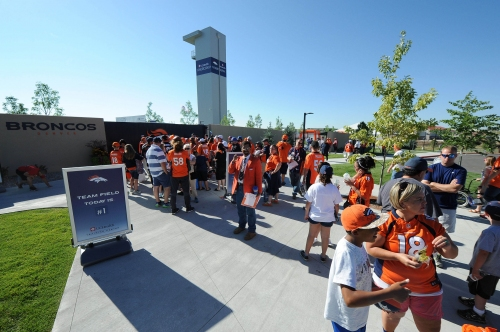 Broncos fans set another training camp attendance record