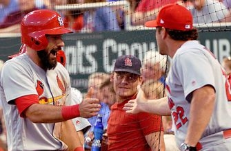 Cardinals' offense explodes in 11-3 win over Royals
