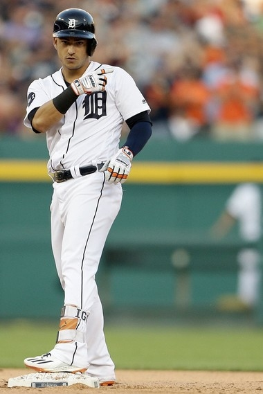 Tigers' Jose Iglesias to return on Wednesday, making Jeimer Candelario's stay brief
