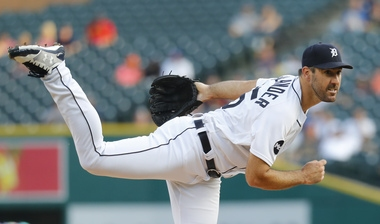 Justin Verlander loses no-hit bid with 2 outs in sixth inning vs Pirates