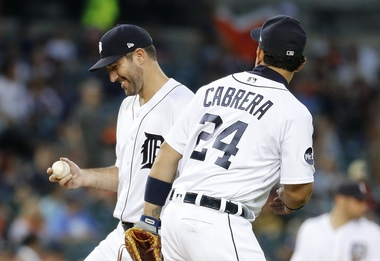Justin Verlander takes no-hitter into 6th, Tigers crush Pirates 10-0