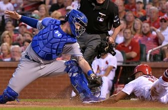 Cat-astrophe: Royals fall to Cardinals on odd night in St. Louis