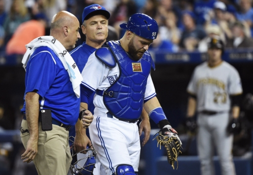 Martin hurt in Blue Jays loss to Pirates
