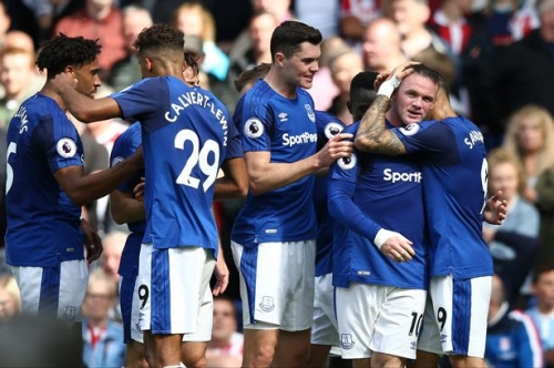 Everton verdict - Wayne Rooney provides the answer but questions for Ronald Koeman remain